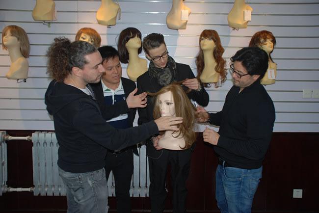 唐总与国际美发冠军拉菲派瑞及国际增发大师技术交流
