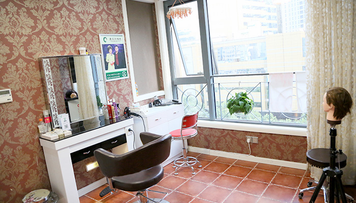 面对脱发的危害,南京补发机构哪家效果最好